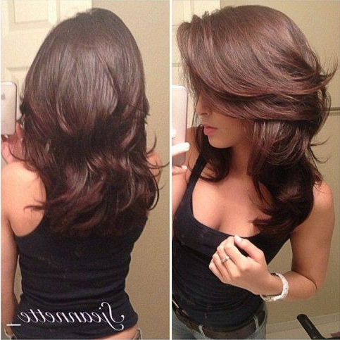 Loose Curl Layered Cut – 20 Layered Hairstyles For Curly Medium Pertaining To Most Recently Loose And Layered Hairstyles (View 20 of 25)