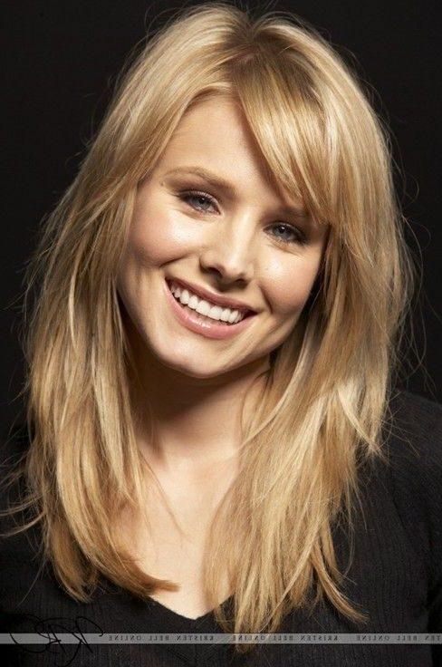 Featured Photo of Shoulder Length Hairstyles With Long Swoopy Layers