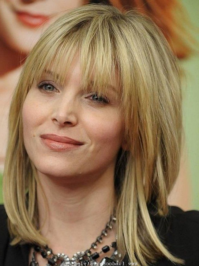 Featured Photo of Mid Length Haircuts With Side Layers