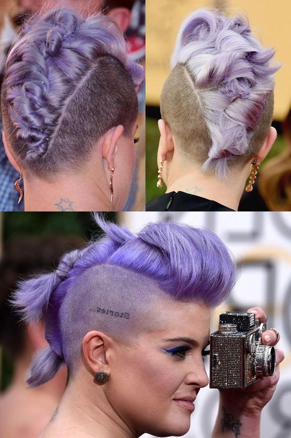 Reunimos Os Melhores Penteados Da Kelly Osbourne, Do Costurado Ao Pertaining To Lavender Braided Mohawk Hairstyles (View 23 of 25)