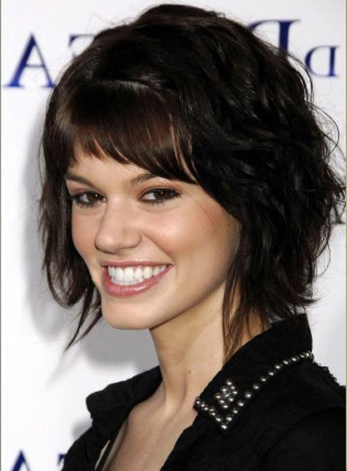 Short Layered Haircuts For Wavy Hair Within Most Popular Layered Haircuts For Thick Wavy Hair (View 19 of 25)
