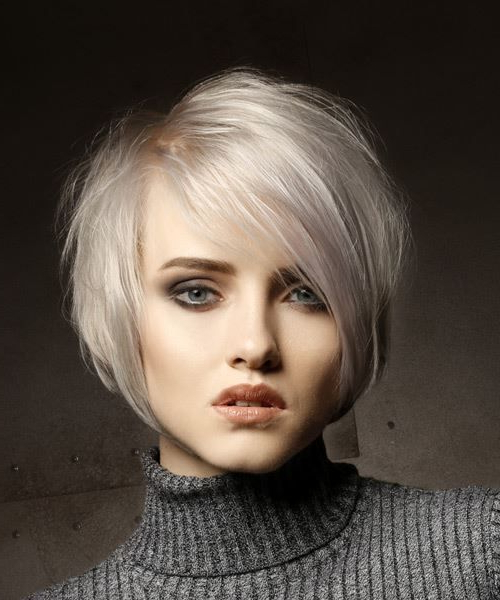 Short Straight Casual Shag Hairstyle With Side Swept Bangs – Light Within Most Recent Platinum Layered Side Part Hairstyles (View 21 of 25)