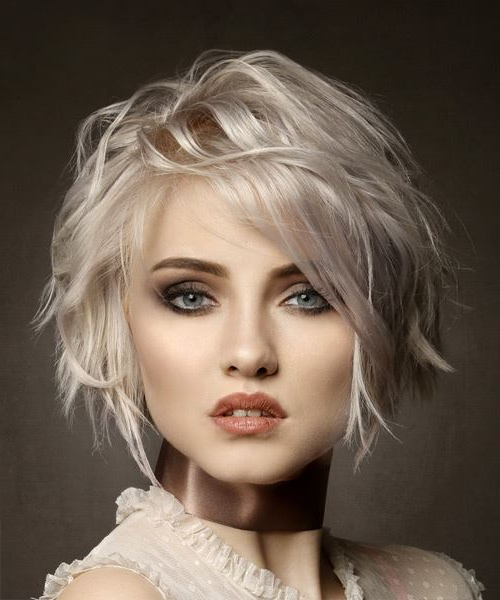 Short Wavy Casual Bob Hairstyle With Side Swept Bangs – Light With Most Popular Platinum Layered Side Part Hairstyles (View 24 of 25)