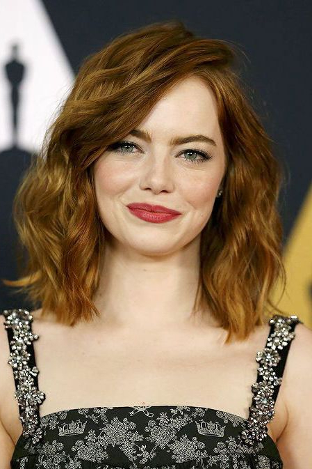 Side Swept Lob | Hair | Emma Stone Hair, Emma Stone, Hair Within Latest Flipped Lob Hairstyles With Swoopy Back Swept Layers (View 20 of 25)