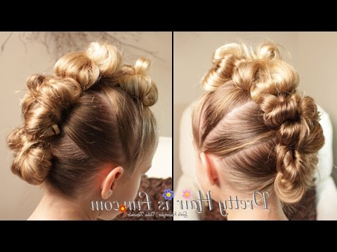 The Easiest Messy Bun Hawk!! ? – Youtube Inside Quick And Easy Mohawk Hairstyles (View 12 of 25)