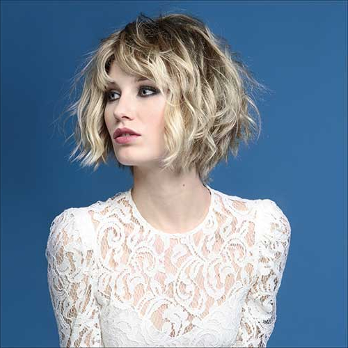 Tousled And Choppy Bob Hair Style With Loose Waves Inside Newest Choppy Waves Hairstyles (View 16 of 25)