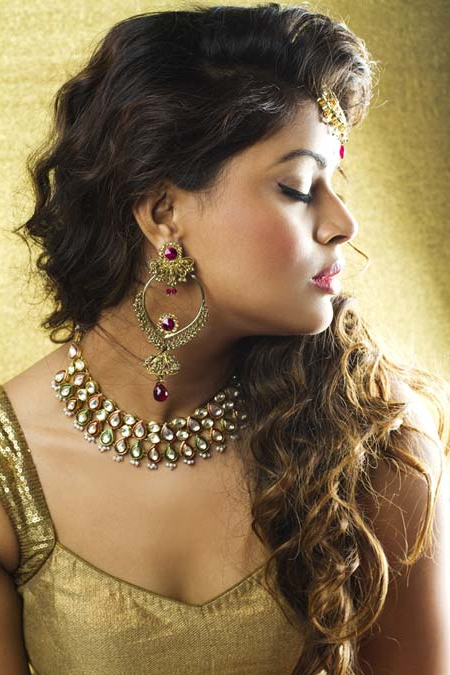 10 Best Indian Wedding Hairstyles For Curly Hair – Style Samba Throughout Pin Up Curl Hairstyles For Bridal Hair (View 16 of 25)