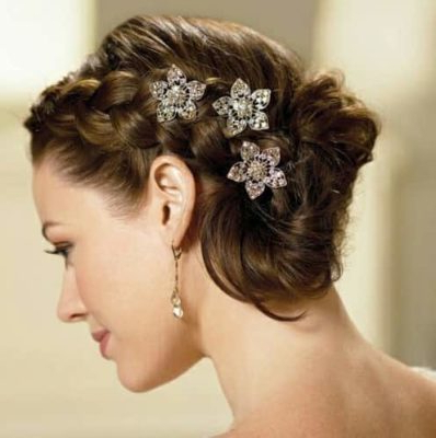 14 Best Indian Bridal Hairstyles For Short Hair: Photos, Tips Intended For Short Side Braid Bridal Hairstyles (View 22 of 25)