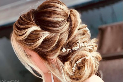 15 Gorgeous Wedding Updos For Brides In 2019 Throughout Blonde And Bubbly Hairstyles For Wedding (View 15 of 25)