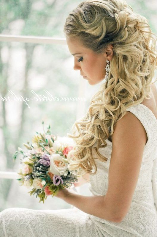 159 Best Self: Hair Images On Pinterest | Colourful Hair, Cabello De With Tender Shapely Curls Hairstyles For A Romantic Wedding Look (View 16 of 25)