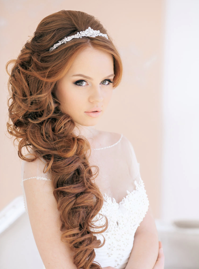 20 Elegant Wedding Hairstyles With Exquisite Headpieces   Tulle Throughout Long Curly Bridal Hairstyles With A Tiara (View 9 of 25)