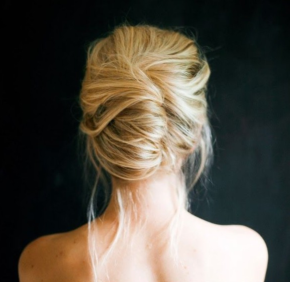 20 Gorgeous Messy Wedding Updos – Pretty Designs Throughout Messy Bridal Updo Bridal Hairstyles (View 14 of 25)