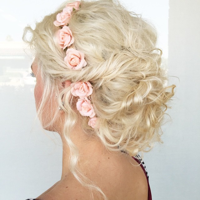 20 Soft And Sweet Wedding Hairstyles For Curly Hair 2019 With Blonde Polished Updos Hairstyles For Wedding (View 9 of 25)