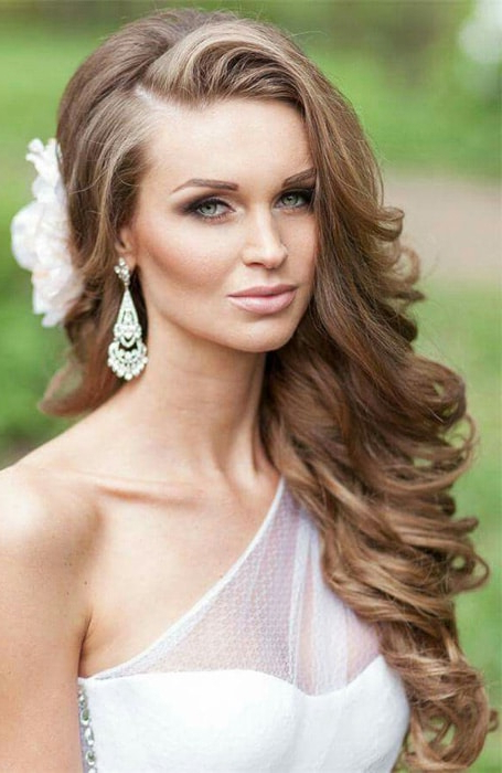 20 Stunning Deep Side Part Hairstyles – The Trend Spotter With Sides Parted Wedding Hairstyles (View 7 of 25)