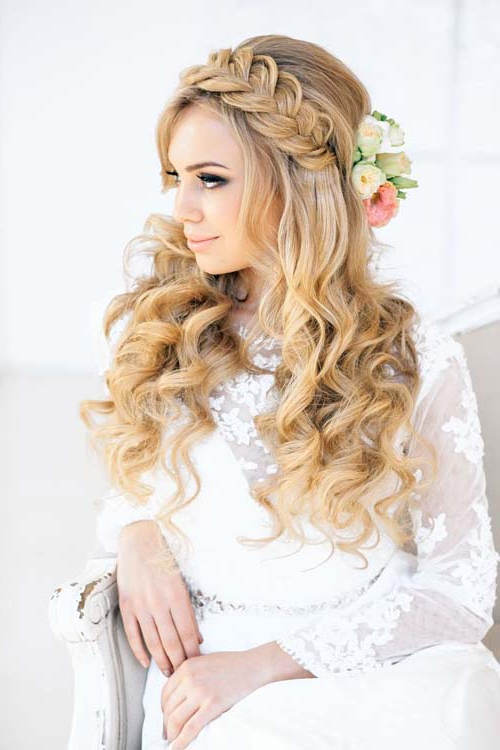 20 Wedding Hair Ideas With Flowers With Bohemian Curls Bridal Hairstyles With Floral Clip (View 11 of 25)