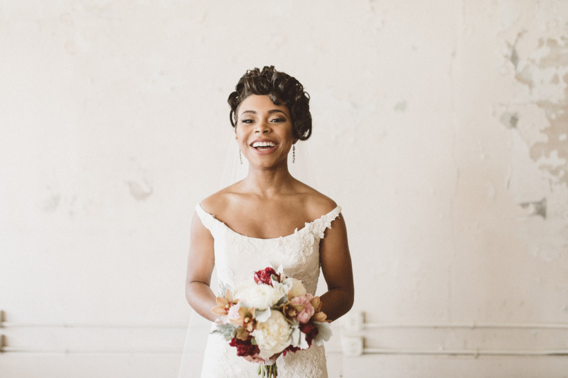 20 Wedding Hairstyles For Short Hair: Updos, Half Up & More Within Bohemian Curls Bridal Hairstyles With Floral Clip (View 21 of 25)