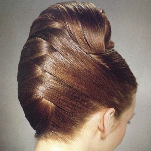 21 Feminine Ways To Wear The French Twist This Fall | Pinup Hair Regarding Sleek French Knot Hairstyles With Curls (View 6 of 25)