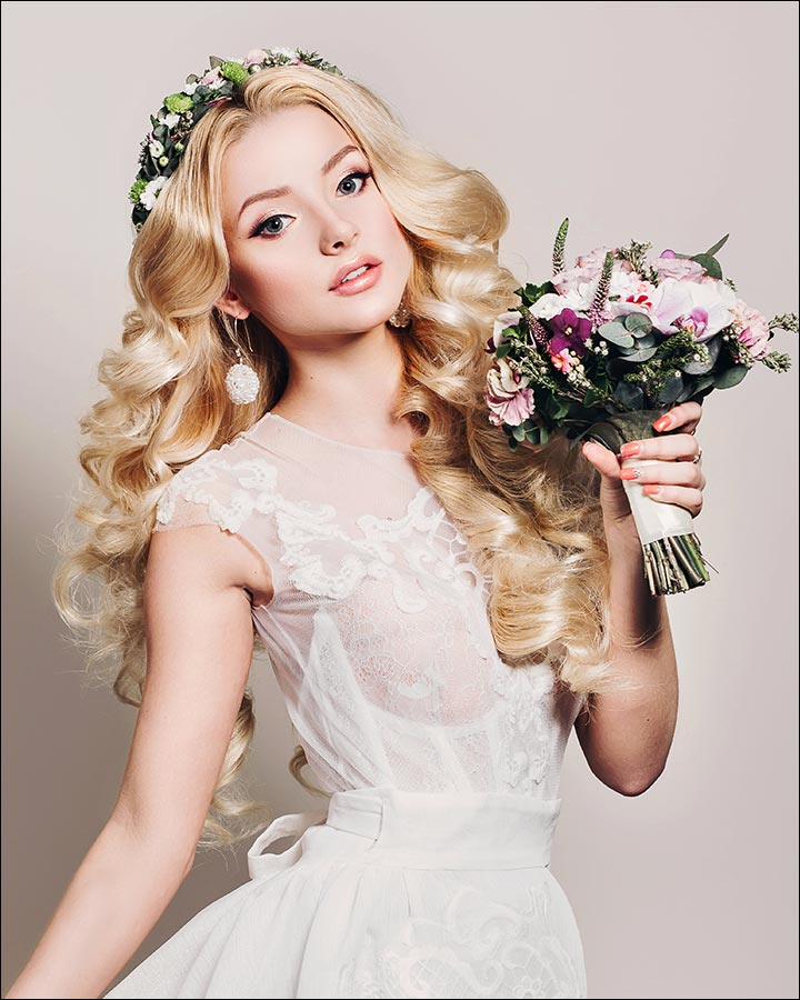 23 Gorgeous Bridal Hairstyles For Curly Hair In Tender Shapely Curls Hairstyles For A Romantic Wedding Look (View 6 of 25)