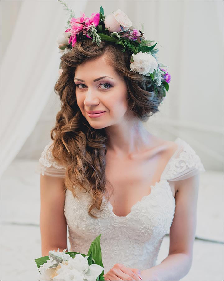 23 Gorgeous Bridal Hairstyles For Curly Hair Pertaining To Tender Shapely Curls Hairstyles For A Romantic Wedding Look (View 8 of 25)