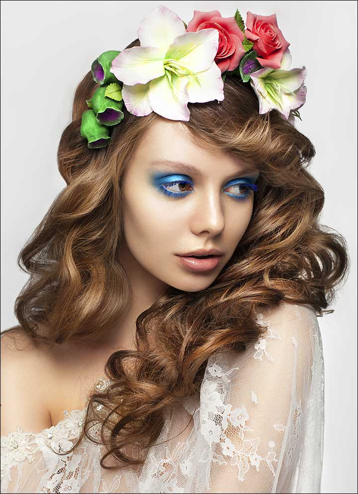 23 Gorgeous Bridal Hairstyles For Curly Hair Regarding Tender Shapely Curls Hairstyles For A Romantic Wedding Look (View 17 of 25)