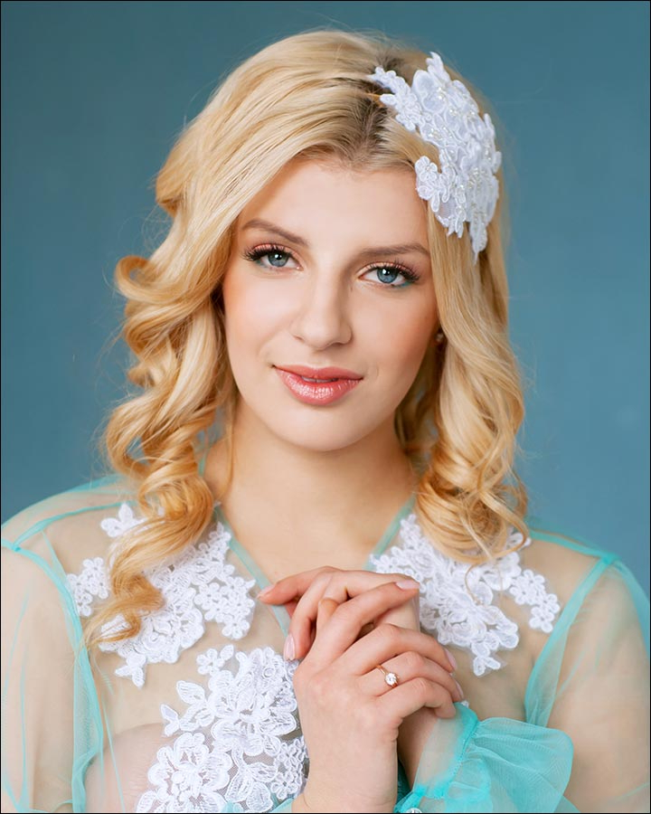 23 Gorgeous Bridal Hairstyles For Curly Hair With Regard To Tender Shapely Curls Hairstyles For A Romantic Wedding Look (View 12 of 25)