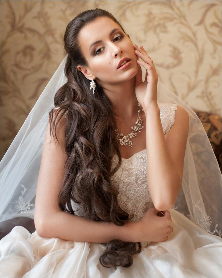 23 Gorgeous Bridal Hairstyles For Curly Hair With Tender Shapely Curls Hairstyles For A Romantic Wedding Look (View 9 of 25)