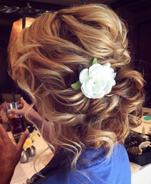 24 Best Updos For Medium Hair In 2019 Inside Lifted Curls Updo Hairstyles For Weddings (View 7 of 25)