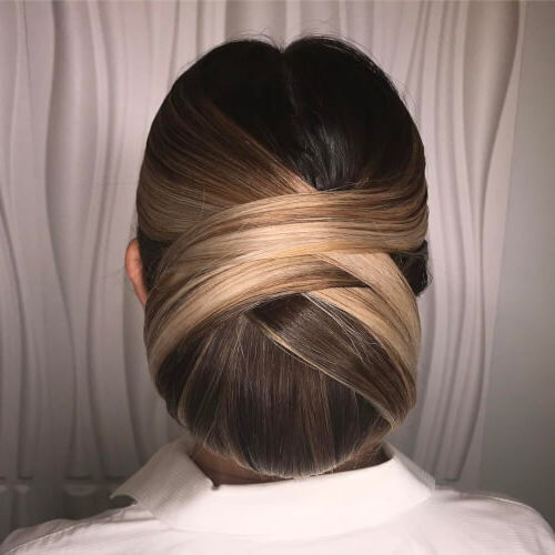 24 Gorgeous Chignon Hair Ideas For Women In 2019 With Regard To Chic And Sophisticated Chignon Hairstyles For Wedding (View 7 of 25)