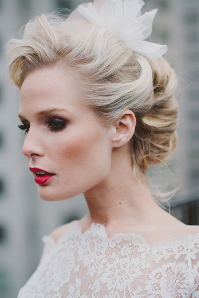 25 Classic And Beautiful Vintage Wedding Hairstyles – Haircuts Inside Platinum Mother Of The Bride Hairstyles (View 12 of 25)
