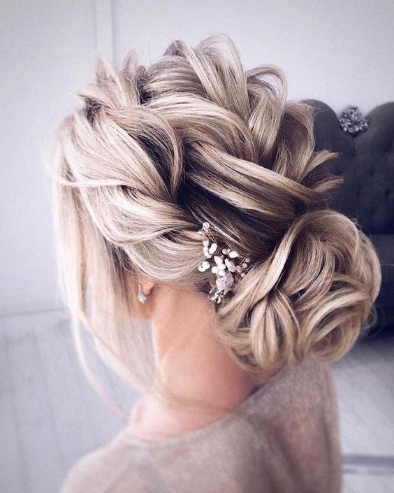 25 Trendy Braided Wedding Hairstyles You'll Like – Obsigen Regarding French Twist Wedding Updos With Babys Breath (View 18 of 25)