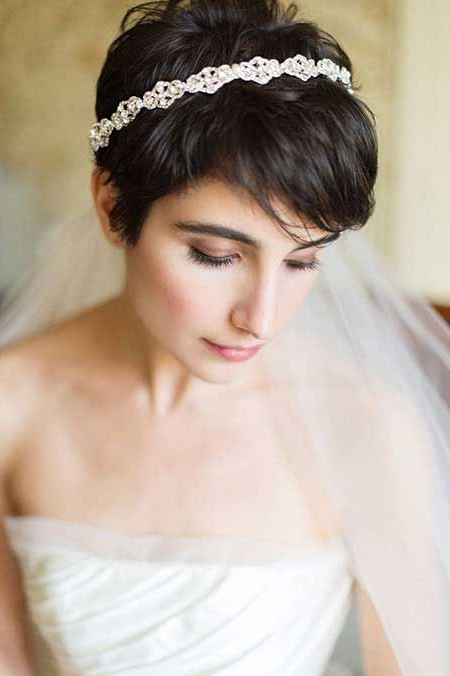 25 Wedding Hairstyles For Short Hair | Cheveux Courts | Short Hair Regarding Darling Bridal Hairstyles With Circular Twists (View 8 of 25)