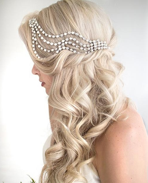 26 Stunning Half Up, Half Down Hairstyles | Stayglam In Teased Half Up Bridal Hairstyles With Headband (View 7 of 25)