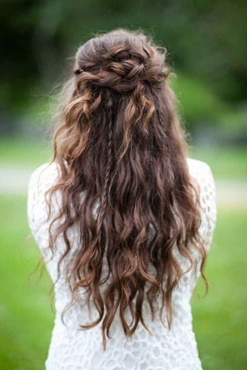 27 Casual Wedding Hair Ideas | Happywedd In Simple Laid Back Wedding Hairstyles (View 23 of 25)