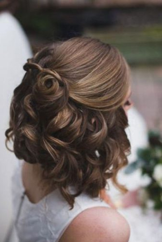 27 Short Hairstyles For A Christmas Party | Lovehairstyles Inside Simple Halfdo Wedding Hairstyles For Short Hair (View 11 of 25)