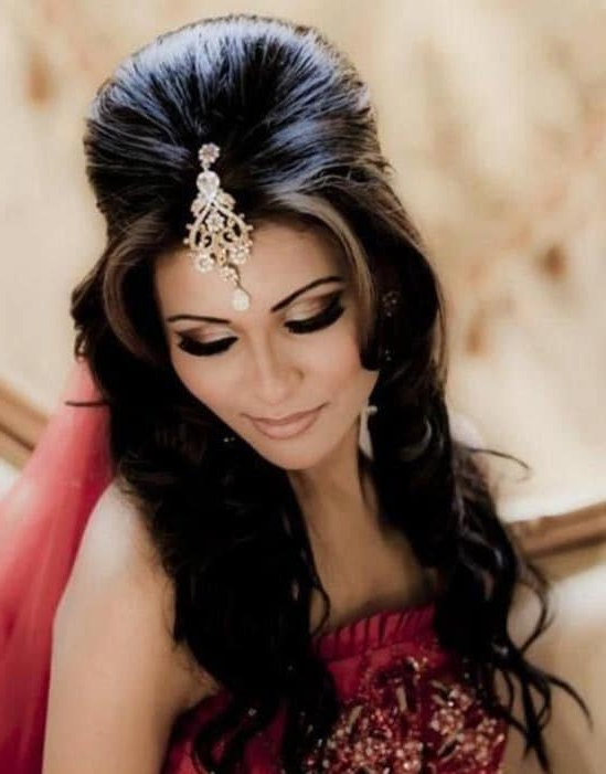 29 Bridal Hairstyles For Short, Medium & Curly Hairs 2018 In Semi Bouffant Bridal Hairstyles With Long Bangs (View 19 of 25)