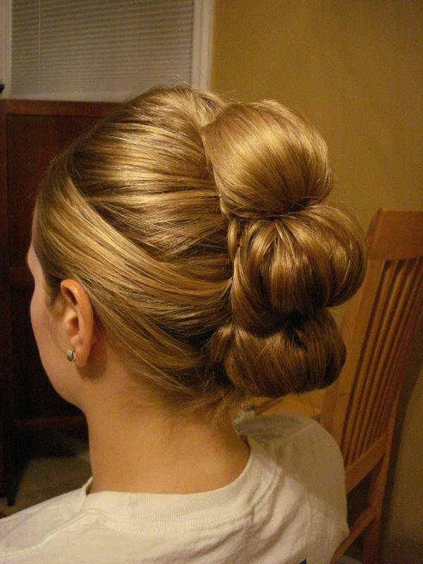 30 Breathtaking Wedding Updo Hairstyles – Slodive For Embellished Caramel Blonde Chignon Bridal Hairstyles (View 19 of 25)
