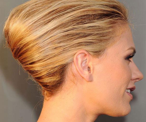30 Mind Blowing French Twist Hairstyle – Slodive With Sleek French Knot Hairstyles With Curls (View 15 of 25)
