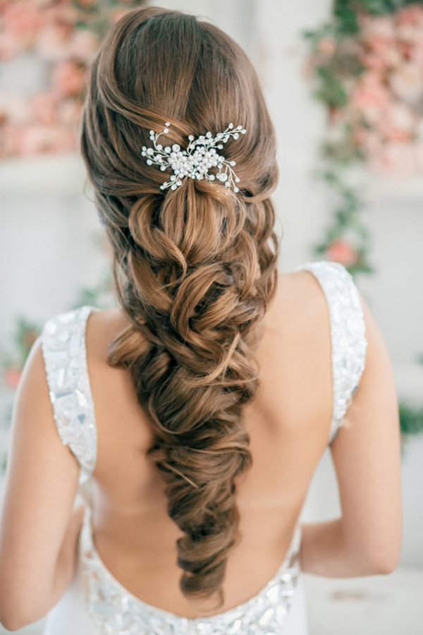 30 Unique Wedding Hairstyles | Art And Design Pertaining To Wedding Updos With Bow Design (View 25 of 25)