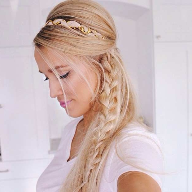 Featured Photo of Teased Half Up Bridal Hairstyles With Headband