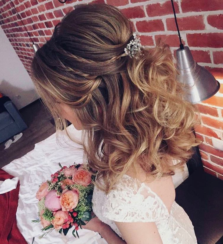 33 Half Up Half Down Wedding Hairstyles Ideas | Hair & Beauty Throughout Teased Half Up Bridal Hairstyles With Headband (View 2 of 25)