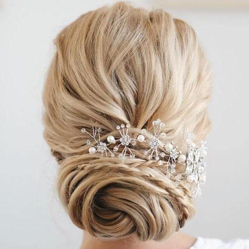 35 Chic Wedding Hair Updos For Elegant Brides – My Stylish Zoo Regarding Spiraled Wedding Updos (View 13 of 25)