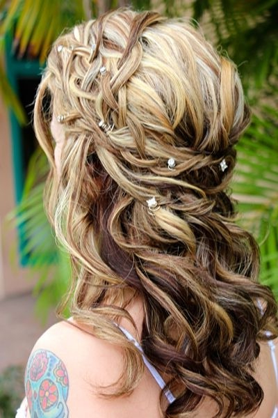 35 Wedding Hairstyles: Discover Next Year's Top Trends For Brides In Half Up Curly Hairstyles With Highlights (View 14 of 25)