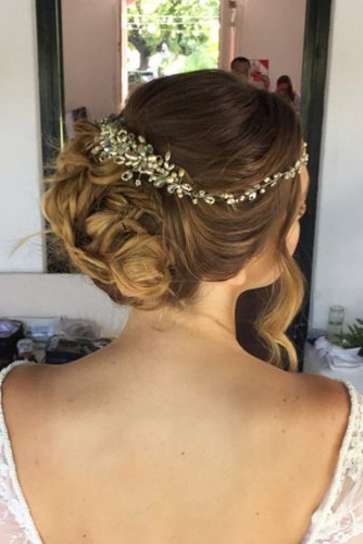 36 Gorgeous Wedding Hairstyles For Medium Hair – My Stylish Zoo Regarding Highlighted Braided Crown Bridal Hairstyles (View 25 of 25)