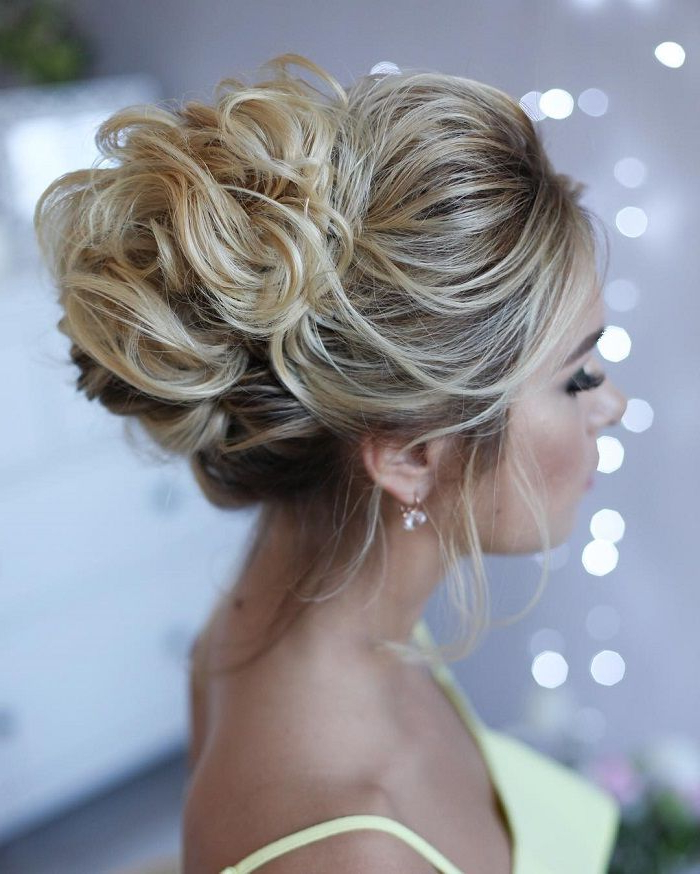 36 Messy Wedding Hair Updos For A Gorgeous Rustic Country Wedding To Inside Curly Messy Updo Wedding Hairstyles For Fine Hair (View 6 of 25)