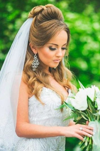 37 Half Up Half Down Wedding Hairstyles Anyone Would Love Within Side Curls Bridal Hairstyles With Tiara And Lace Veil (View 6 of 25)