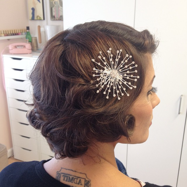 """40 Best Short Wedding Hairstyles That Make You Say """"Wow!"""" Inside Teased Wedding Hairstyles With Embellishment (View 22 of 25)"""