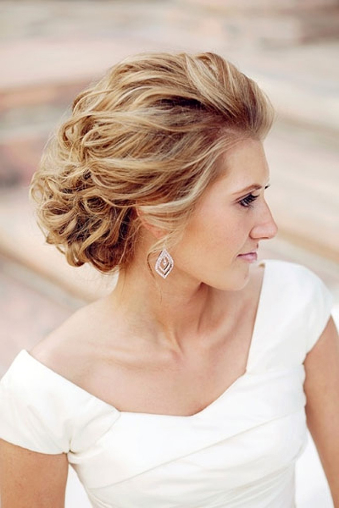 42 Mother Of The Bride Hairstyle, Latest Bride Hairstyle 2019 – My With Curly Bun Bridal Updos For Shorter Hair (View 21 of 25)