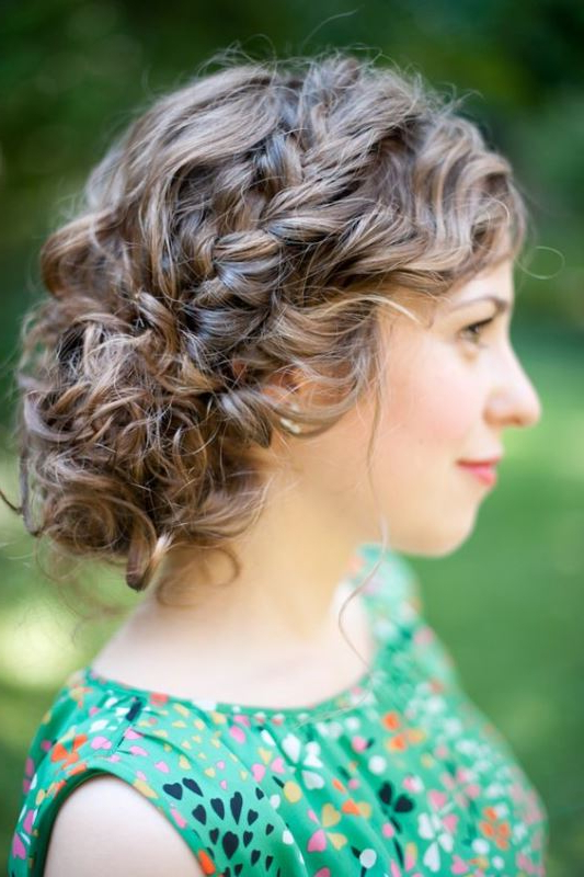45 Charming Bride's Wedding Hairstyles For Naturally Curly Hair In Naturally Curly Wedding Hairstyles (View 5 of 25)