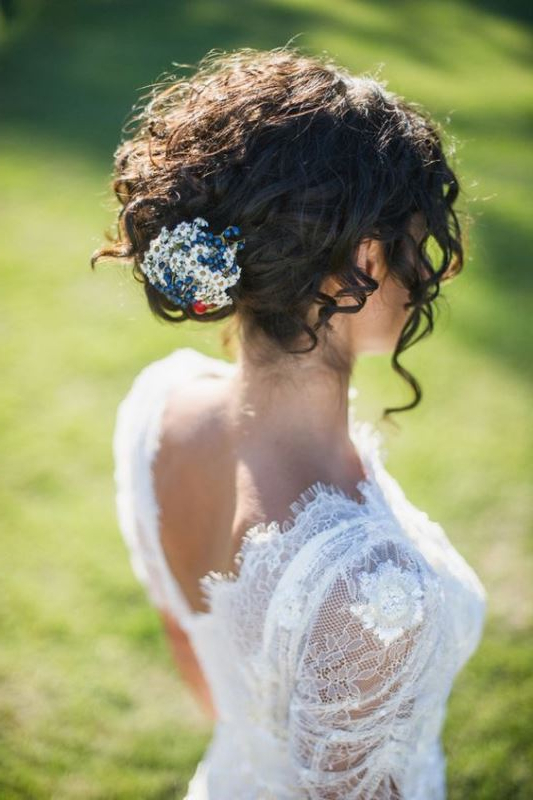 45 Charming Bride's Wedding Hairstyles For Naturally Curly Hair Within Romantic Bridal Hairstyles For Natural Hair (View 8 of 25)