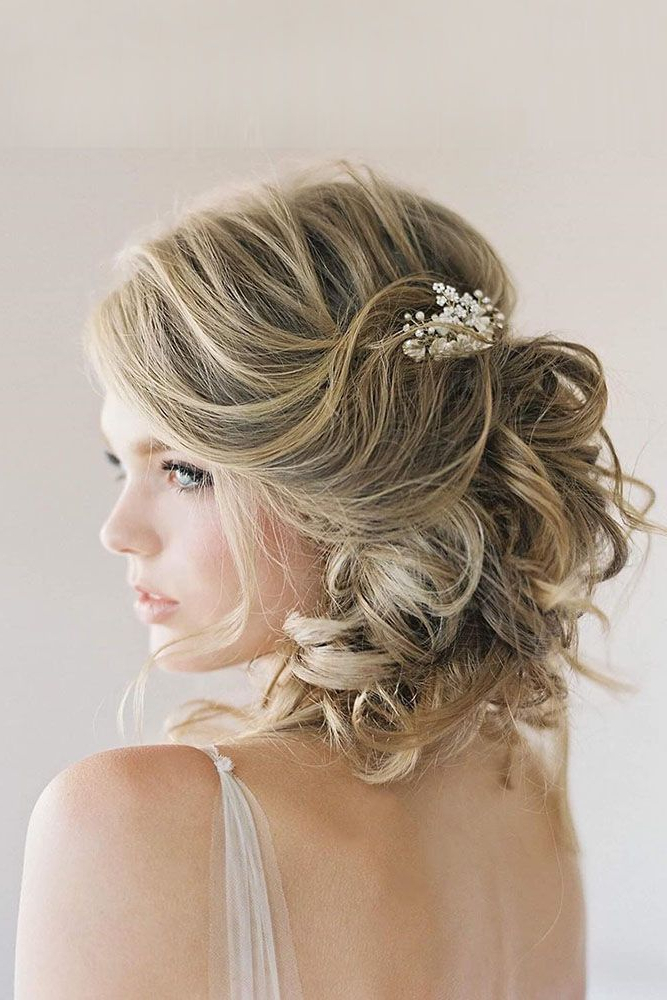 45 Short Wedding Hairstyle Ideas So Good You'd Want To Cut Hair In Curly Bun Bridal Updos For Shorter Hair (View 14 of 25)